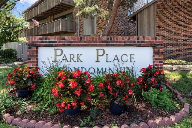 8708 Metcalf Avenue #206, Overland Park, KS 66212 (#2341936) :: Austin Home Team