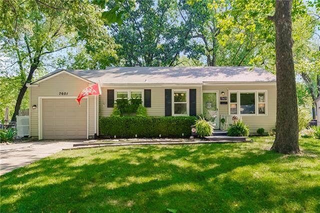 7601 Windsor Street, Prairie Village, KS 66208 (#2342077) :: Eric Craig Real Estate Team