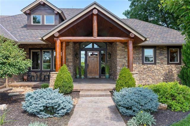12525 S Homestead Lane, Olathe, KS 66061 (#2342159) :: Five-Star Homes