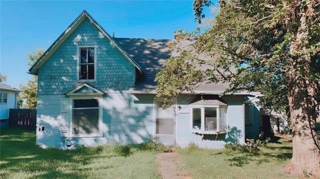 710 Locust Street, Nortonville, KS 66060 (#2342176) :: The Shannon Lyon Group - ReeceNichols