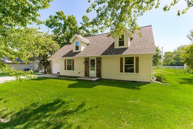 105 Spruce Street, Garden City, MO 64747 (#2342262) :: The Shannon Lyon Group - ReeceNichols