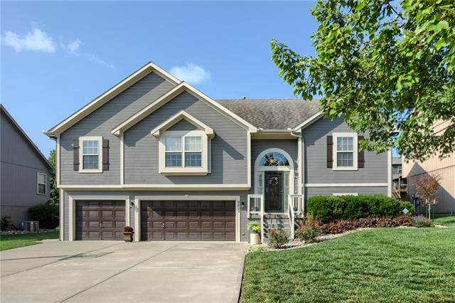 9812 N Donnelly Avenue, Kansas City, MO 64157 (#2342278) :: Audra Heller and Associates