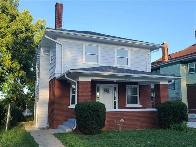 5041 Garfield Avenue, Kansas City, MO 64130 (#2342288) :: Ron Henderson & Associates