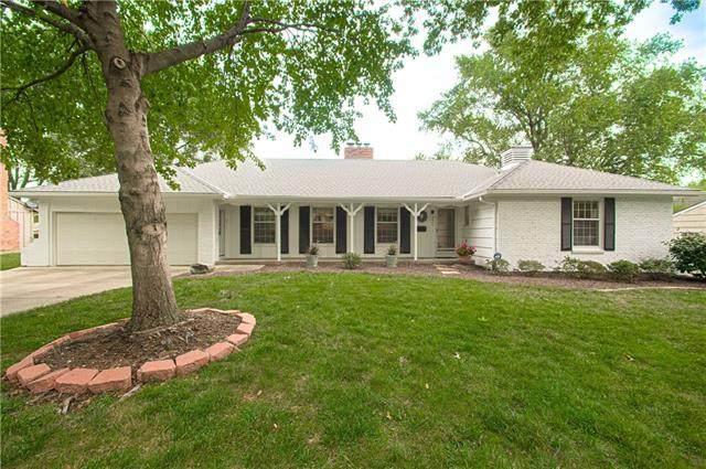 9411 Walmer Street, Overland Park, KS 66212 (#2342378) :: Eric Craig Real Estate Team