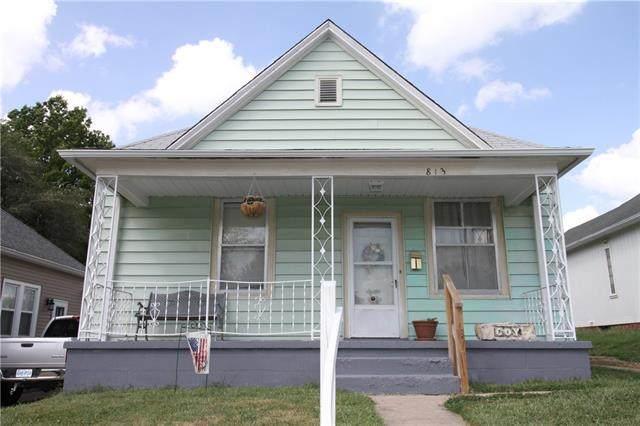 813 E Hyde Park Avenue, St Joseph, MO 64504 (#2342440) :: Dani Beyer Real Estate