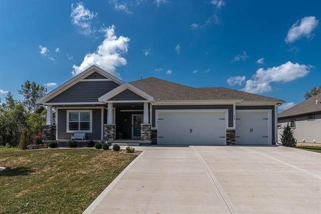 632 Shady Bend Drive, Tonganoxie, KS 66086 (MLS #2342552) :: Stone & Story Real Estate Group
