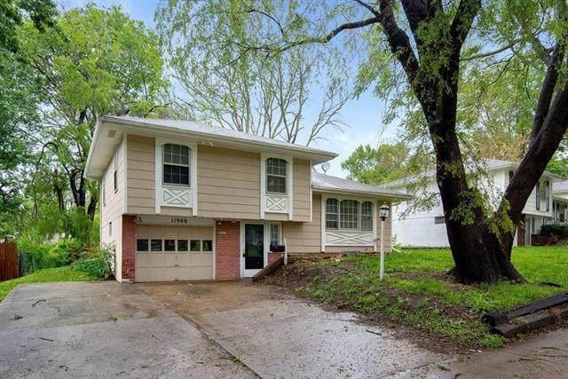 11900 Fremont Street, Grandview, MO 64030 (#2342566) :: Austin Home Team