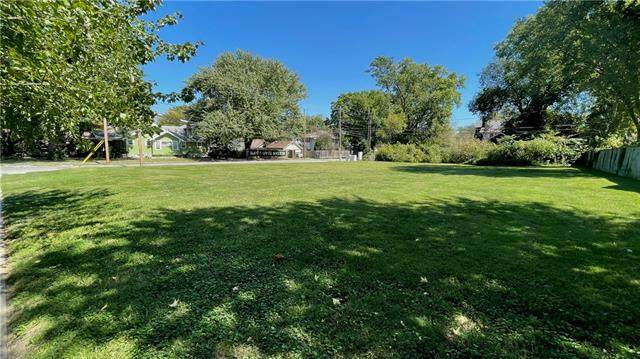 5903 Holmes Street, Kansas City, MO 64110 (#2342658) :: SEEK Real Estate
