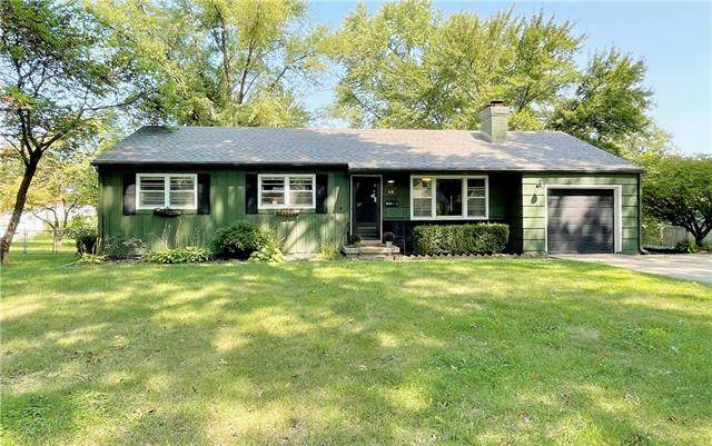 10 W 96 Terrace, Kansas City, MO 64114 (#2342727) :: Austin Home Team