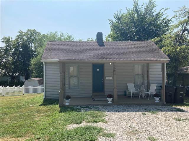 508 3rd Street, Belton, MO 64012 (#2342785) :: The Kedish Group at Keller Williams Realty