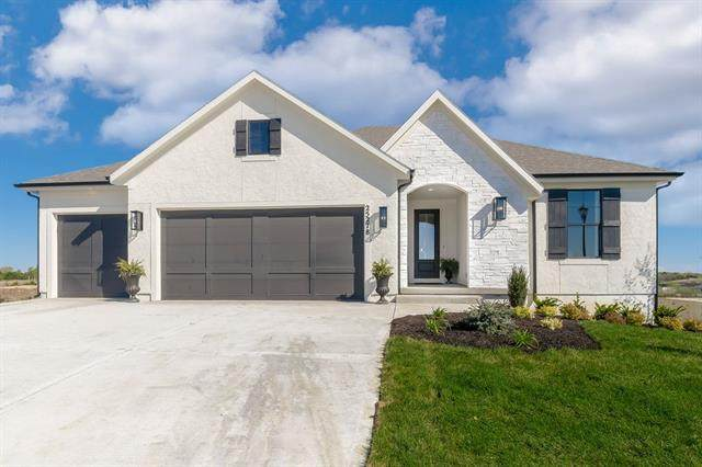 25278 W 112th Terrace, Olathe, KS 66061 (#2342800) :: The Shannon Lyon Group - ReeceNichols