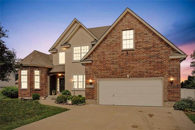 19304 E 18th Terrace S, Independence, MO 64057 (#2342817) :: Dani Beyer Real Estate
