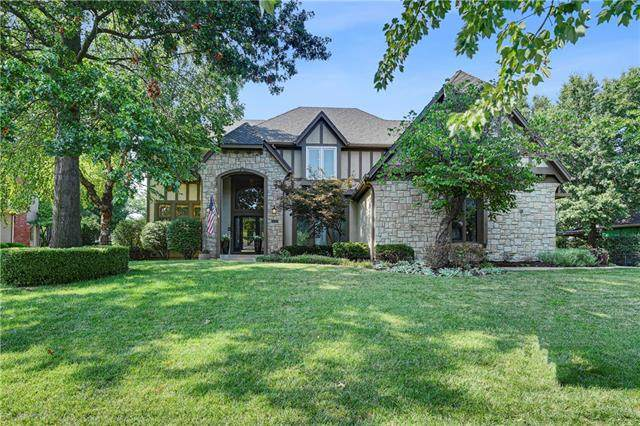 13118 Lamar Avenue, Overland Park, KS 66209 (#2342823) :: Austin Home Team