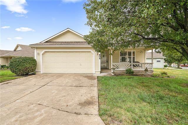 604 Twilight Drive, Raymore, MO 64083 (#2342830) :: Dani Beyer Real Estate