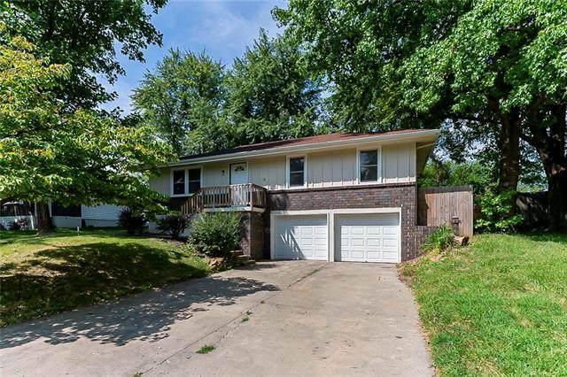 1606 Hillside Drive, Oak Grove, MO 64075 (#2342971) :: Austin Home Team