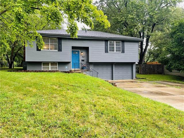 11906 E 58 Street, Raytown, MO 64133 (#2342992) :: Five-Star Homes