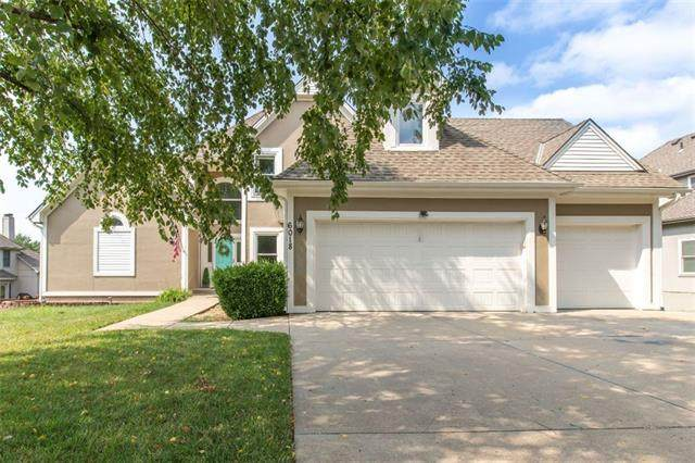 6018 NE Gladstone Lane, Gladstone, MO 64119 (#2343002) :: Tradition Home Group | Compass Realty Group