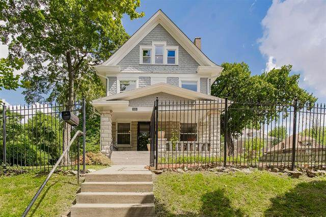 3535 Forest Avenue, Kansas City, MO 64109 (#2343036) :: Ron Henderson & Associates