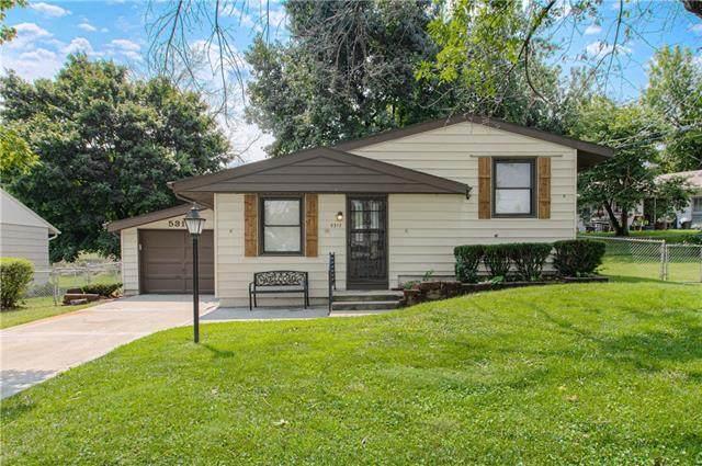 5317 NE 43RD Street, Kansas City, MO 64117 (#2343073) :: Dani Beyer Real Estate