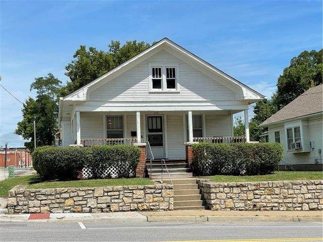 116 E Walnut Street, Independence, MO 64050 (MLS #2343214) :: Stone & Story Real Estate Group