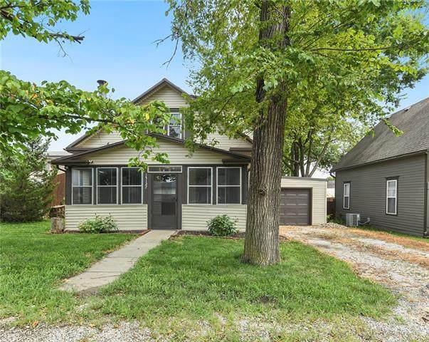 15127 Broadmoor Street, Overland Park, KS 66223 (#2343260) :: Eric Craig Real Estate Team