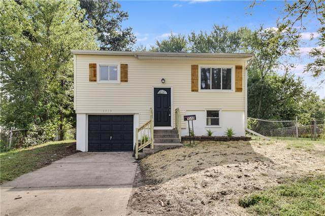 1513 Osage Trail, Independence, MO 64058 (#2343261) :: Austin Home Team