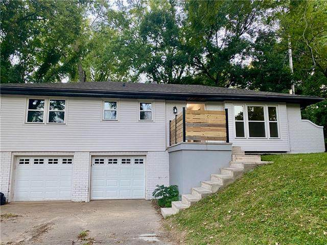 3221 NE 46th Street, Kansas City, MO 64117 (#2343311) :: Tradition Home Group | Compass Realty Group