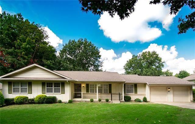 9524 Delmar Street, Overland Park, KS 66207 (#2343380) :: Austin Home Team