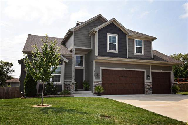 12103 Astor Court, Peculiar, MO 64078 (#2343386) :: Tradition Home Group | Compass Realty Group