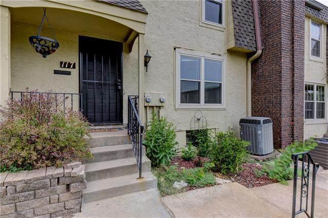 117 W Bannister Road, Kansas City, MO 64114 (#2343445) :: Ask Cathy Marketing Group, LLC