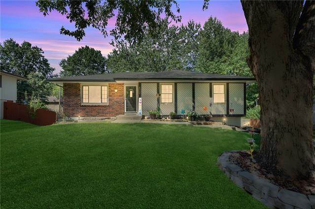 8912 N Mcgee Street, Kansas City, MO 64155 (#2343469) :: Ron Henderson & Associates