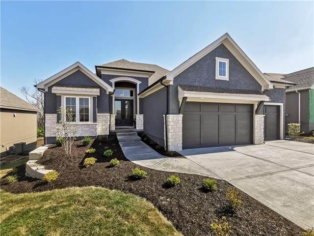 8189 Valley Road, Lenexa, KS 66220 (#2343519) :: Eric Craig Real Estate Team