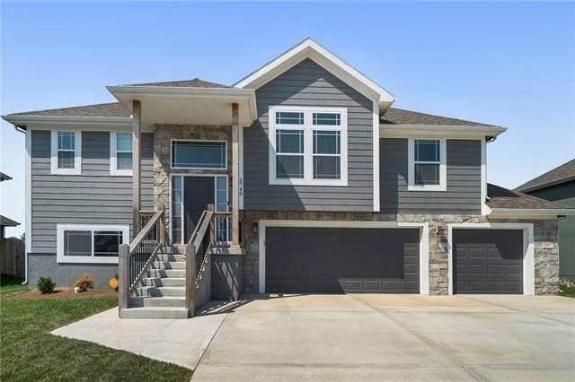 2748 N 112th Street, Kansas City, KS 66109 (#2343536) :: Ron Henderson & Associates