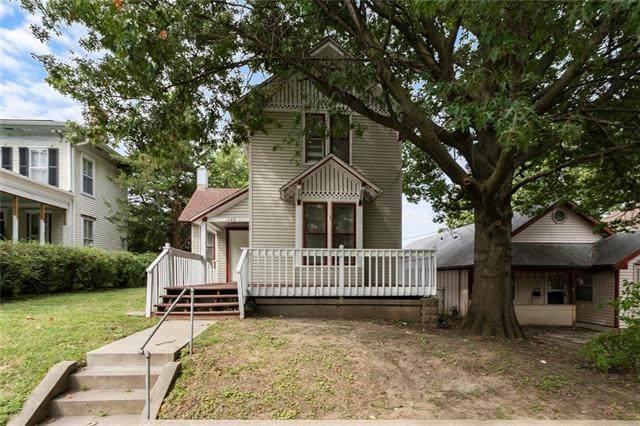 1040 5th Avenue, Leavenworth, KS 66048 (#2343568) :: Austin Home Team