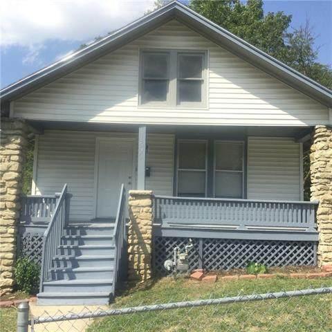 1520 E 42ND Street, Kansas City, MO 64110 (#2343575) :: The Kedish Group at Keller Williams Realty