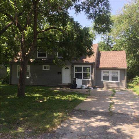 3034 S 9th Terrace, Kansas City, KS 66103 (#2343577) :: The Kedish Group at Keller Williams Realty
