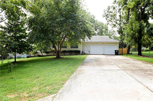 7001 E 159 Street, Belton, MO 64012 (#2343687) :: Tradition Home Group | Compass Realty Group