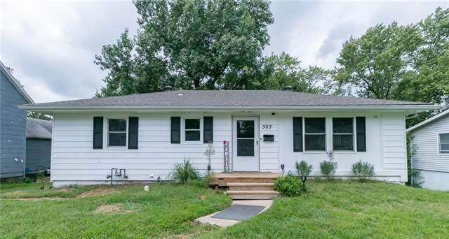 303 N Boardman Street, Pleasant Hill, MO 64080 (#2343710) :: Austin Home Team