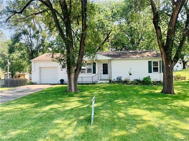 10713 N Grand Avenue, Kansas City, MO 64155 (#2343711) :: Austin Home Team