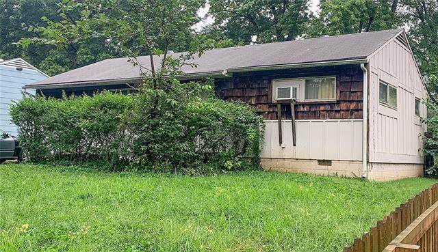 11204 Palmer Avenue, Kansas City, MO 64134 (#2343743) :: Austin Home Team