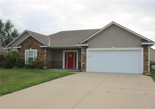 616 Oakmont Drive, Warrensburg, MO 64093 (#2343777) :: Austin Home Team