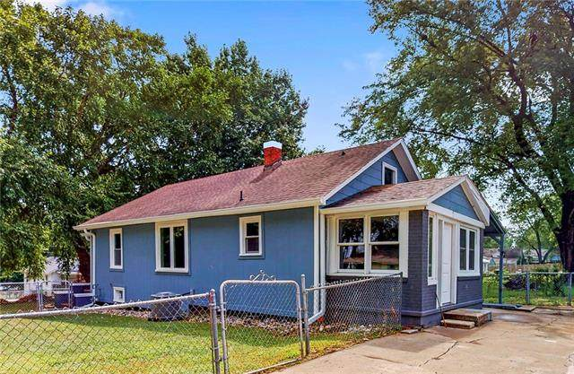 900 S Logan Avenue, Independence, MO 64050 (#2343802) :: Tradition Home Group | Compass Realty Group