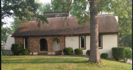 12333 Pinehurst Drive, Kansas City, KS 66109 (#2343820) :: Dani Beyer Real Estate