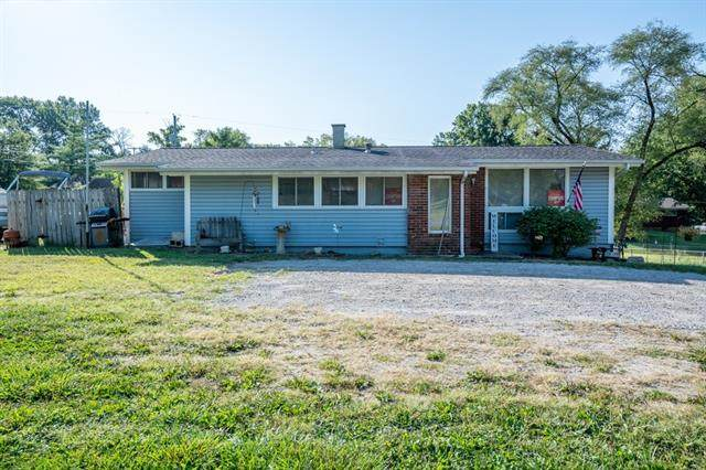 7811 NW State Route 9 Highway, Parkville, MO 64152 (#2343831) :: Audra Heller and Associates