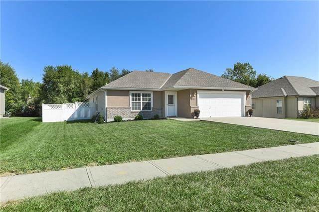 302 E Olive Street, Raymore, MO 64083 (#2343857) :: Team Real Estate
