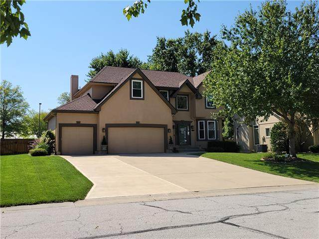 321 NW Bradford Street N, Lee's Summit, MO 64064 (#2343858) :: Tradition Home Group | Compass Realty Group