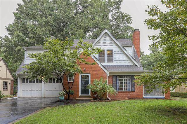 26 E 62nd Terrace, Kansas City, MO 64113 (#2343904) :: Tradition Home Group | Compass Realty Group