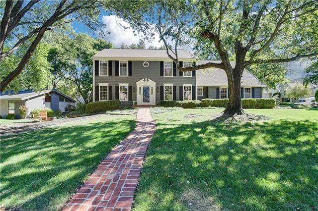 12709 Cherokee Lane, Leawood, KS 66209 (#2343961) :: Tradition Home Group | Compass Realty Group
