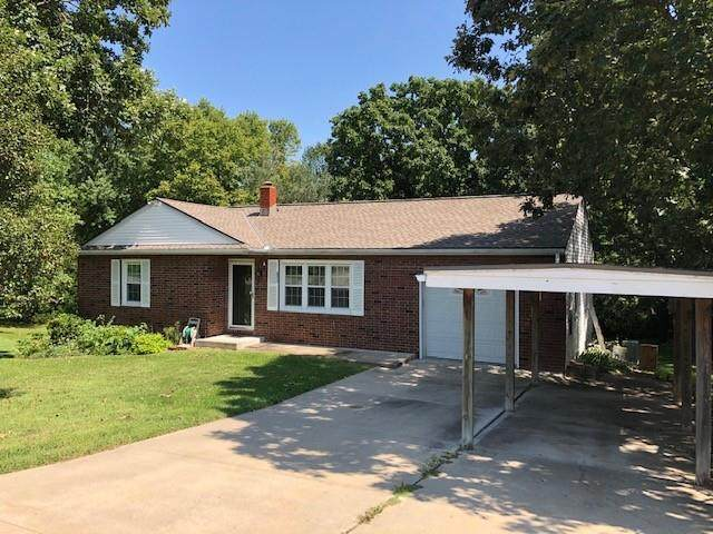 6913 N Elm Street, Liberty, MO 64068 (#2343996) :: Tradition Home Group | Compass Realty Group