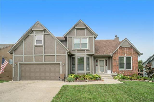 5014 Hilltop Drive, Shawnee, KS 66226 (#2344024) :: Eric Craig Real Estate Team